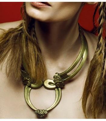 Collier ras-le-cou en bronze et laiton de haute fantaisie