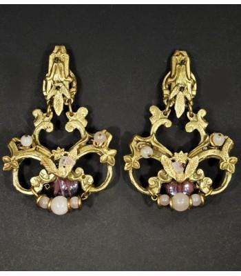 Boucles d'oreilles fantaisies dorées avec du Quartz rose