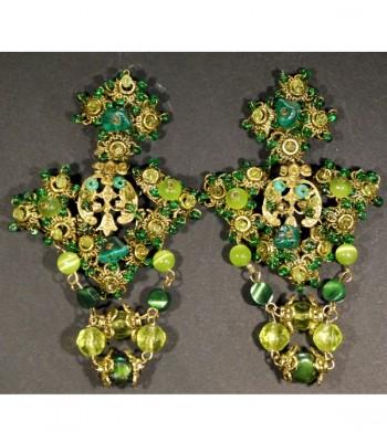 Boucles d'oreilles fantaisie de couleur verte par Martine Brun