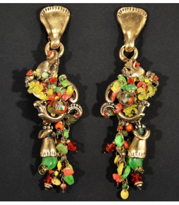 Boucles d'oreilles dorées avec des perles multicolores par Martine Brun