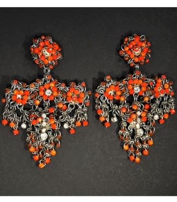 Boucles d'oreilles argentées avec des perles oranges, création unique par Martine Brun