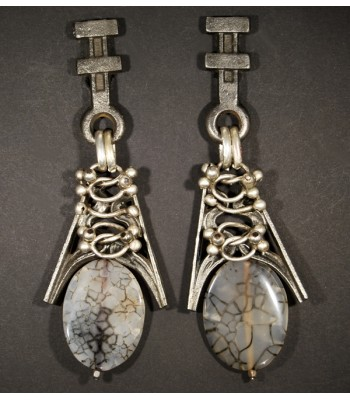 Boucles d'oreilles fantaisie argentées en métal avec pierre en Jade par Martine Brun