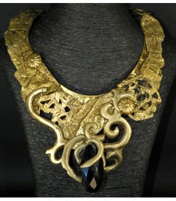 Collier doré gorgerin en bronze et laiton avec pierre en onyx