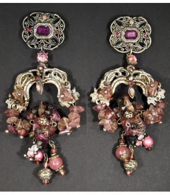 Boucles d'oreilles fantaisie argentées avec perles violettes et roses