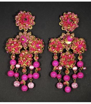Boucles d'oreilles fantaisie en métal dorée avec des perles roses par Martine Brun