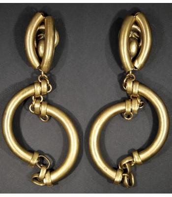 Boucles d'oreilles dorées créoles en laiton par Martine Brun