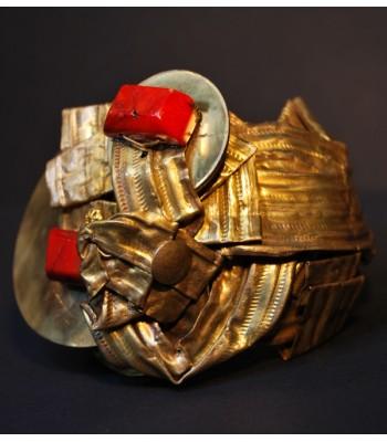 Bracelet doré de haute fantaisie fait mains par Martine Brun