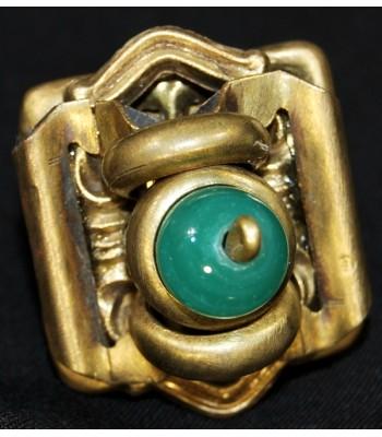 Bague doré avec perle verte fantaisie unique, création Martine Brun