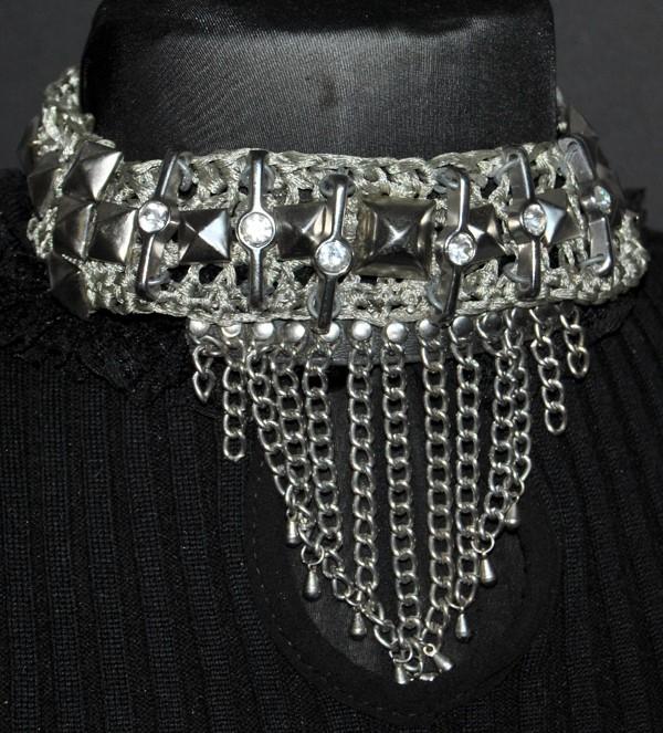 Collier style collier de chien, inspiration Rock, par Martine Brun