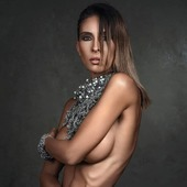 Collier Méduse en vente sur mon site www.martinebrun.com @martinebrunjewelry photo @jacques_dussaux Modèle @wywyfaz mua @deborah.b.makeupartist #bijouxcreateur #bijouxaddict #france #modelunique #collection #colliers #perle #boutique #siteinternet #bijouxfantaisies #luxery #fashions #metaljewelry #beautyaddict #rares #accessoires #parure #pierresnaturelles #crochet #contemporaryjewellery