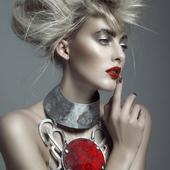 jewels#bijoux#accessoire#accessore#collier#necklace#collar#argenté#silver#hautefantaisie#fantaisie#couture#hautecouture#luxe#futuriste#contemporain#fait_main#madeinfrance#parution#pieceunique# photo@jimbol007 modèle@llaurensirica make-up@caroline.quirynen
