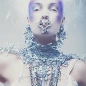 bijoux#accessoire#collier#haute_fantaisie#contemporain#fait_main#madeinfrance#luxe#pieceunique#jewel#collar#recyclé#argenté#mannequin#shooting#necklace#silver#reinedesglace#parution#magazine#