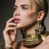Bijoux en vente sur mon site www.martinebrun.com bijoux @martinebrunjewelry photo @oliviermerzoug modèle @lola.alc mua @anaispouchain hair @emeline_marret_mua #Beauty #mode #dore #bijou #recycle #Accessoir #madeinfrance #bijouxlovers #tendance2021 #bijouxfaitmain #fashionstyle #contemporain #boutiquecreateurs #venteenligne #francais #accessoiresfemme #creatrice #beautifulgirl #unique