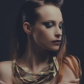 Collier Olympic en vente sur mon site : www.martinebrun.com @martinebrunjewelry Photo @warpedgalerie Modèle @kate_demise Make up @coka.maquilleuse #site #bijouxfemme #madeinfrance🇨🇵 #recycled #pièceunique #jewels #jewelry #bronze #fashionstyle #tendancemode #designer #baroquestyle #bijouxfantaisie #stylefashion #beauté #vente #femme #accessories