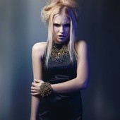 collier et bracelet sur mon site www.martinebrun.com @martinebrunjewelry modèle @elly.body Elisa Bellone photo, hair style @latilpascal mua @diamondheart_makeupartist styliste @emiliebastet #bijouxfemme #modelunique #bijouxlovers #madeinfrance #bijouxaddict #collierfemme #tendance2021 #bijoucreateur #collection2021 #collierfaitmain #braceletfemme #GoldMedal #recycler #faitmainenfrance #vente #parure #tendancebijoux #tendance2021 #tendancefashion #perlesaddict